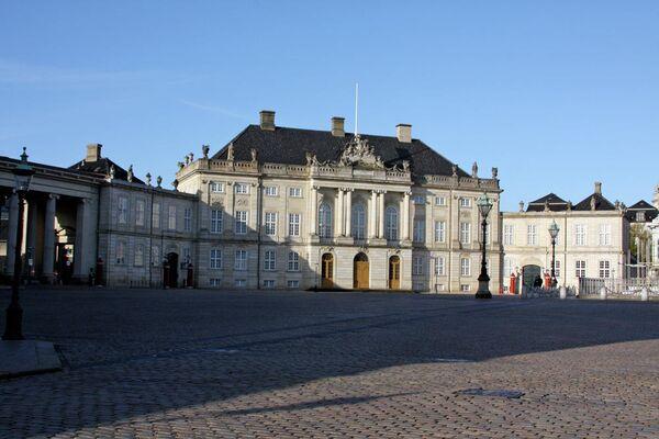 Замок Амалиенборг