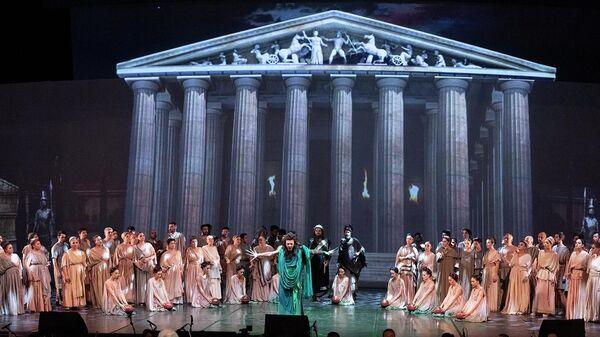 Опера Троя в Государственном театре оперы и балеты Анкары, Турция