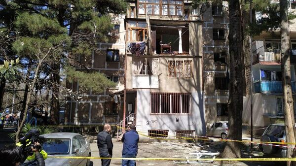 Последствия взрыва в жилом доме в Тбилиси, в районе Дигоми. 7 апреля 2019