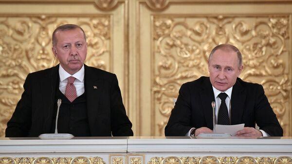 Россия и Турция упростят визовый режим и продолжат военное сотрудничество