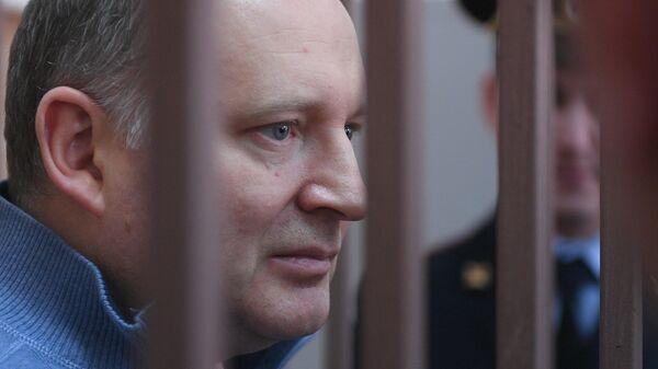 Филипп Дельпаль, обвиняемый в мошенничестве, перед началом заседания Басманного суда
