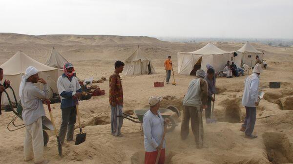 Раскопки в Дейр-эль-Банат