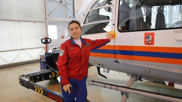 Екатерина Орешникова - первая и пока единственная женщина в России, которая пилотирует санитарный вертолет