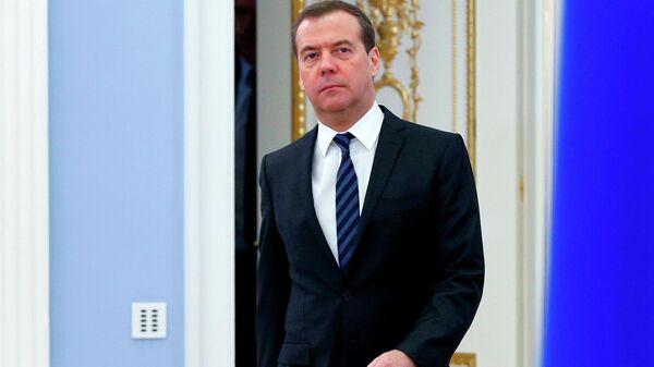 Председатель правительства РФ Дмитрий Медведев перед заседанием правительства РФ