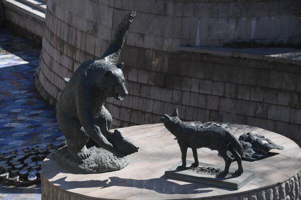 Скульптурная композиция в фонтане Река Неглинная