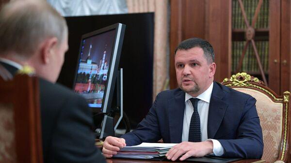 Заместитель председателя правительства РФ Максим Акимов во время встречи с президентом РФ Владимиром Путиным