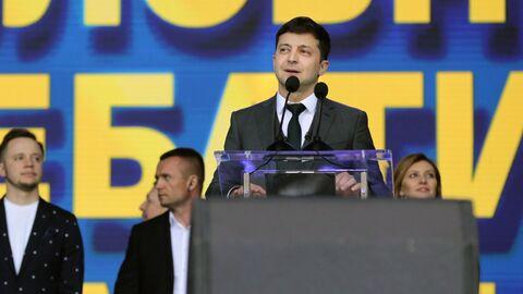Кандидат в президенты Украины Владимир Зеленский во время дебатов Петром Порошенко в НСК Олимпийский