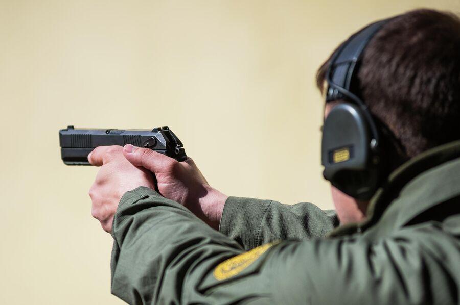 Прицельные приспособления нового армейского пистолета Удав