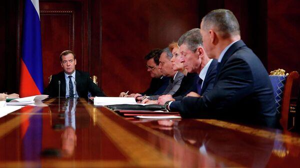 Председатель правительства РФ Дмитрий Медведев проводит совещание с вице-премьерами РФ.  22 апреля 2019