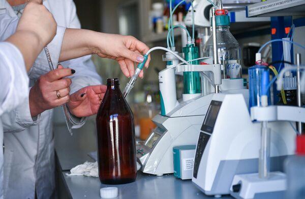 Сотрудники лаборатории Центра гигиены и эпидемиологии