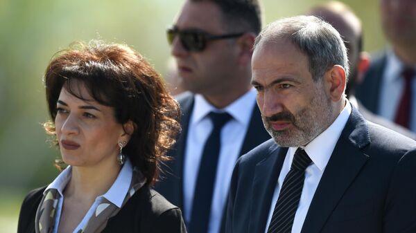 Премьер-министр Армении Никол Пашинян с супругой Анной Акопян