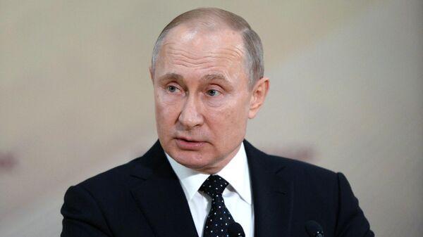 Президент РФ Владимир Путин на пресс-конференции по итогам российско-корейских переговоров