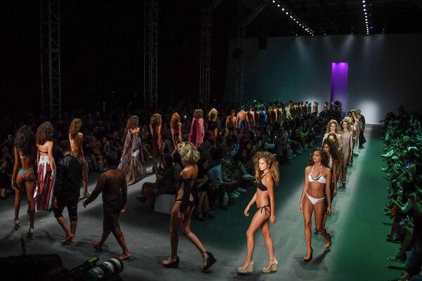 Показ коллекции Amir Slama на Недели моды в Сан-Паулу