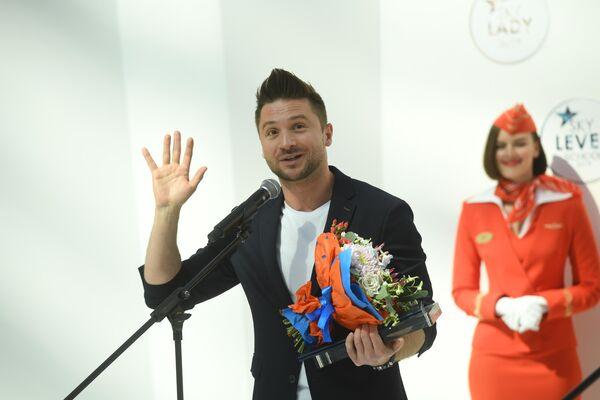 Завершил список самых Сергей Лазарев, названный самым летающим певцом