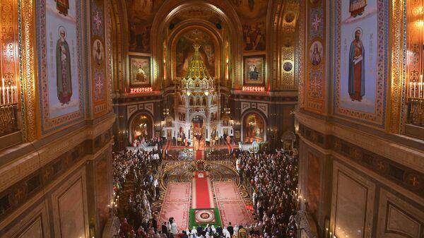Богослужение в храме Христа Спасителя в Москве