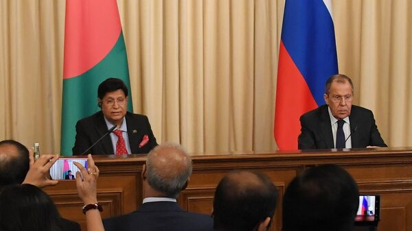 Министр иностранных дел РФ Сергей Лавров и министр иностранных дел Бангладеша Абдулкалам Абдул Момен на пресс-конференции по итогам встречи в Москве