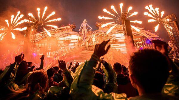 Посетители на музыкальном фестивале Alfa Future People в Нижегородской области