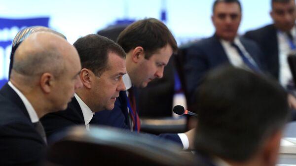 Председатель правительства РФ Дмитрий Медведев во время заседания Евразийского межправительственного совета в расширенном составе. 30 апреля 2019