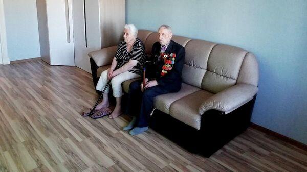 Семья Гусевых в отремонтированной квартире