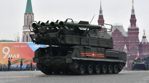 Зенитный ракетный комплекс Бук-М2 на военном параде на Красной площади, посвящённом 74-й годовщине Победы в Великой Отечественной войне