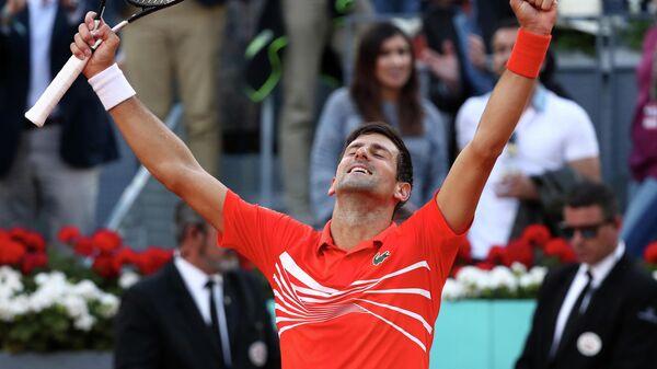 "Джокович выиграл ""Мастерс"" в Мадриде, в финале обыграв Циципаса"