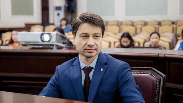 Первый заместитель главы города Якутска Владимир Федоров