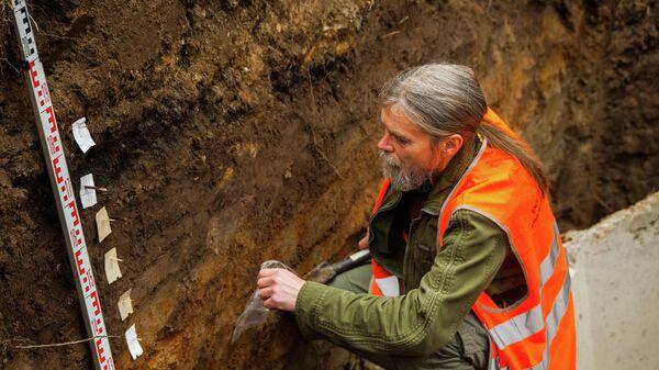Археологи ведут работы в ходе благоустройства парка в пойме реки Яуза