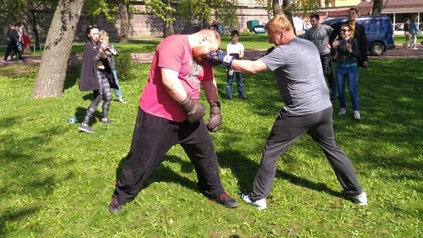 Спарринг Вячеслава Дацика и депутата от ЛДПР