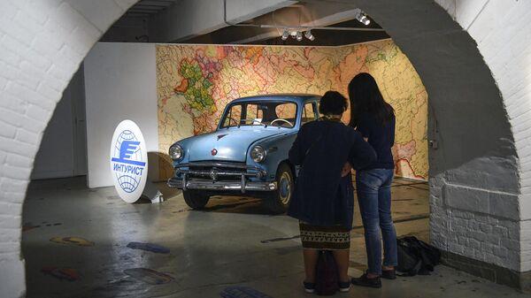 Посетители в Музее Москвы на Зубовском бульваре во время акции Ночь музеев в Москве