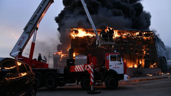 В Кемерово загорелся автосалон Hyundai