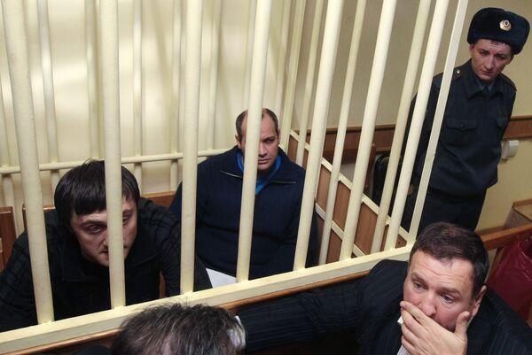 Во время заседания Московского окружного суда, на котором было принято решение о том, что процесс по делу об убийстве журналистки Анны Политковской будет закрытым
