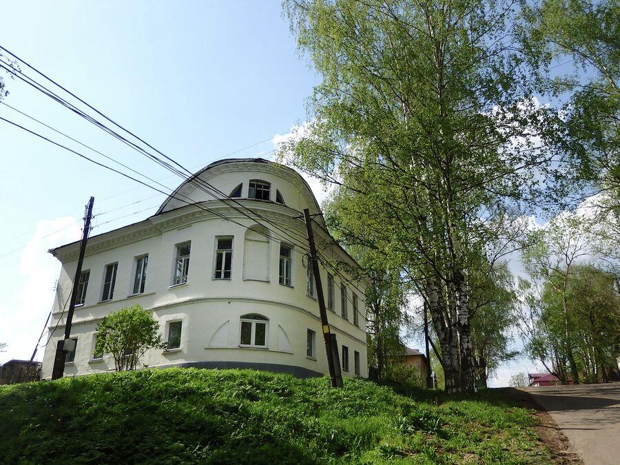 Дом Апаховых