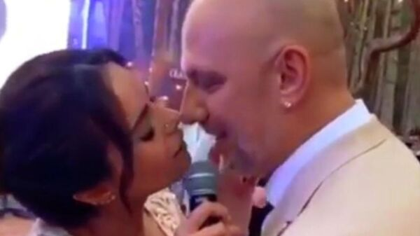 Скриншот видео свадьбы певцов Алексея Потапенко и Насти Каменских