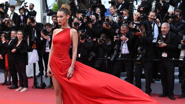 Американская модель и актриса Белла Хадид на красной дорожке в рамках 72-го Каннского международного кинофестиваля