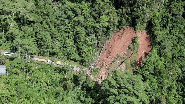 Оползень, вызванный землетрясением в Юримагуасе, Перу. 26 мая 2019