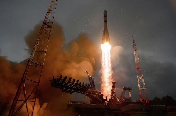 Запуск ракеты-носителя Союз-2.1б со спутником Глонасс-М с космодрома Плесецк