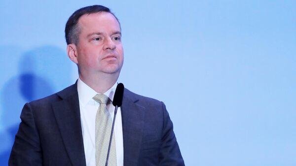 Заместитель министра финансов РФ Алексей Моисеев выступает на Съезде Ассоциации банков России