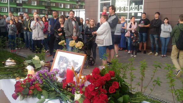 Цветы на месте убийства Никиты Белянкина