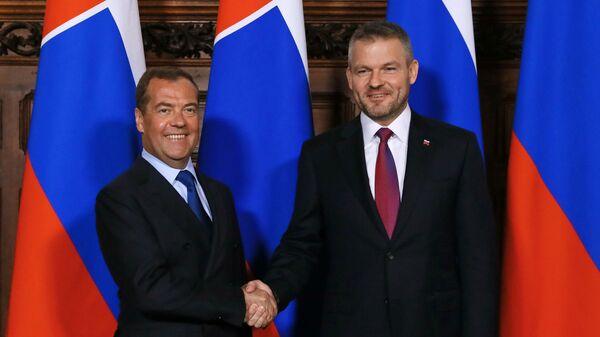 Председатель правительства РФ Дмитрий Медведев и премьер-министр Словакии Петер Пеллегрини во время встречи. 5 июня 2019