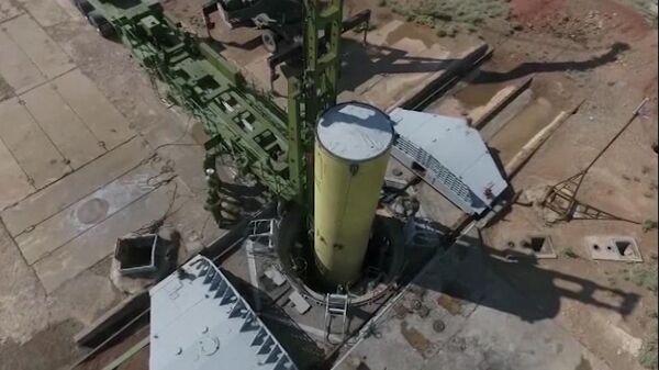 Новая ракета системы ПРО во время испытаний на полигоне Сары-Шаган в Казахстане