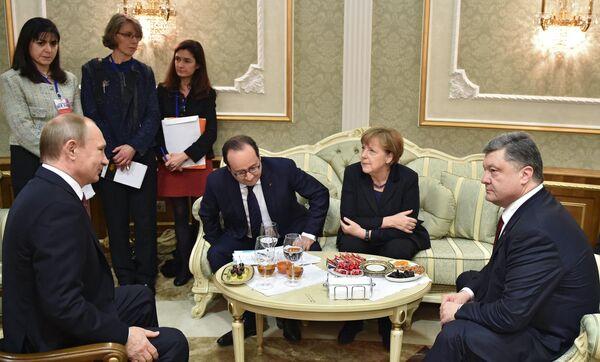Президент России Владимир Путин, президент Франции Франсуа Олланд, канцлер Германии Ангела Меркель и президент Украины Петр Порошенко в Минске. 2015 год