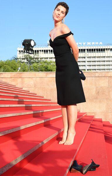 Актриса Ирина Горбачева на Звездной дорожке перед началом церемонии открытия XXX Открытого Российского кинофестиваля Кинотавр в Сочи