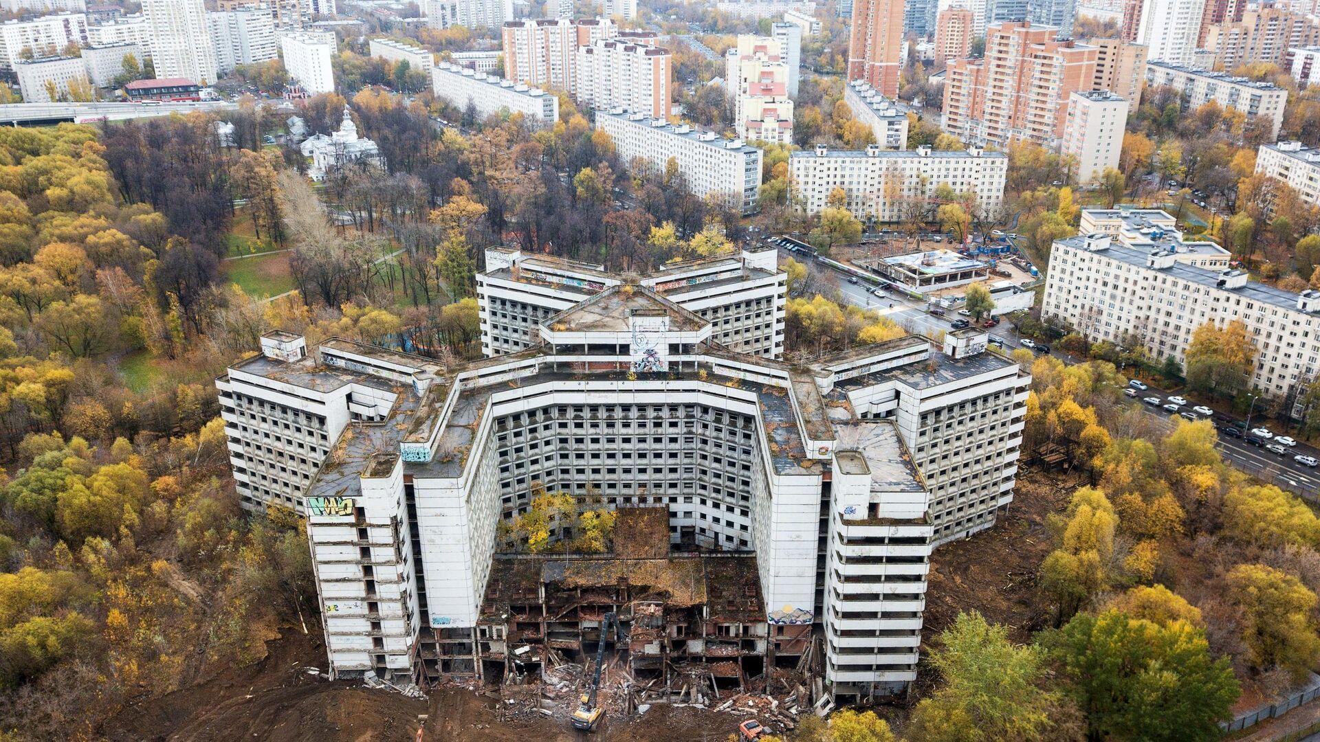 Начало сноса недостроенной Ховринской больницы в Москве - РИА Новости, 1920, 15.05.2021