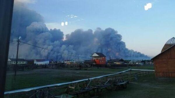 Природный пожар близ села Хайысардах на территории Верхоянского участкового лесничества