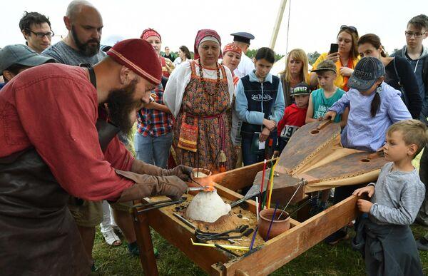 Участники и гости III фестиваля национальных видов спорта народов России и стран Евразии Русский мир