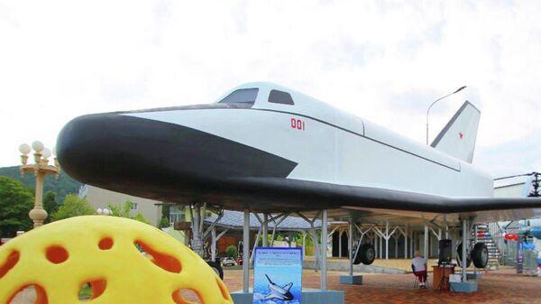 Натуральная модель легкого космического самолета в Архипо-Осиповском Музее космонавтики
