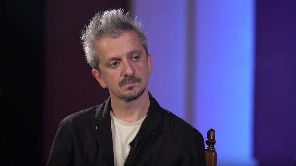 Скриншот видео интервью Ксении Собчак с Константином Богомоловым
