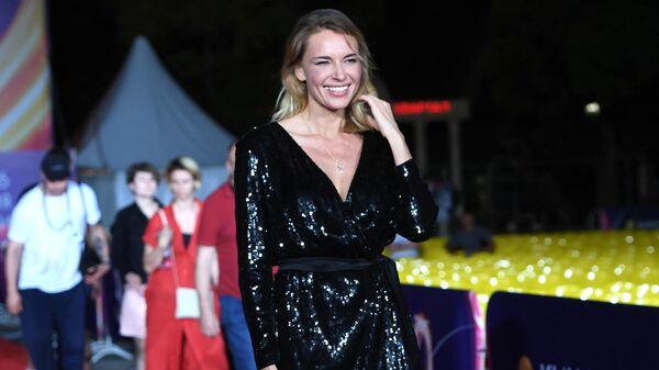 Актриса Любовь Толкалина на 30-м Открытом фестивале российского кино Кинотавр