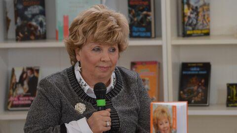 Поэтесса Лариса Рубальская на книжном фестивале Красная площадь в Москве
