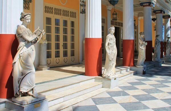 Дворец Ахиллеон на острове Корфу